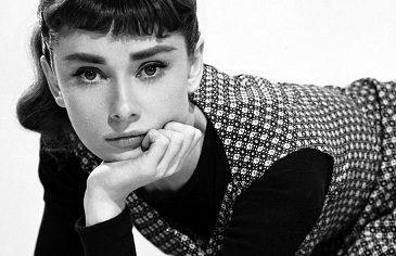 """Audrey Hepburn - """"Az elegancia az egyetlen szépség, mely soha nem fakul."""""""